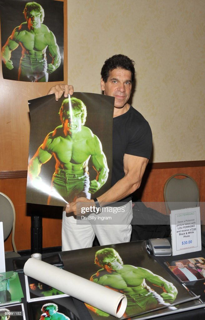 Actor Lou Ferrigno attends The Hollywood Collectors and Celebrities Show at the Burbank Airport Marriott on July 18, 2009 in Burbank, California.