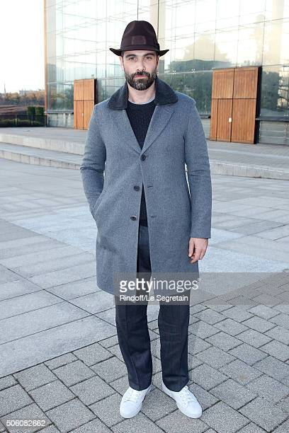 Actor Luca Calvani attends the Louis Vuitton Menswear Fall/Winter 20162017 Fashion Show as part of Paris Fashion Week Held at 'Parc Andre Citroen' on...
