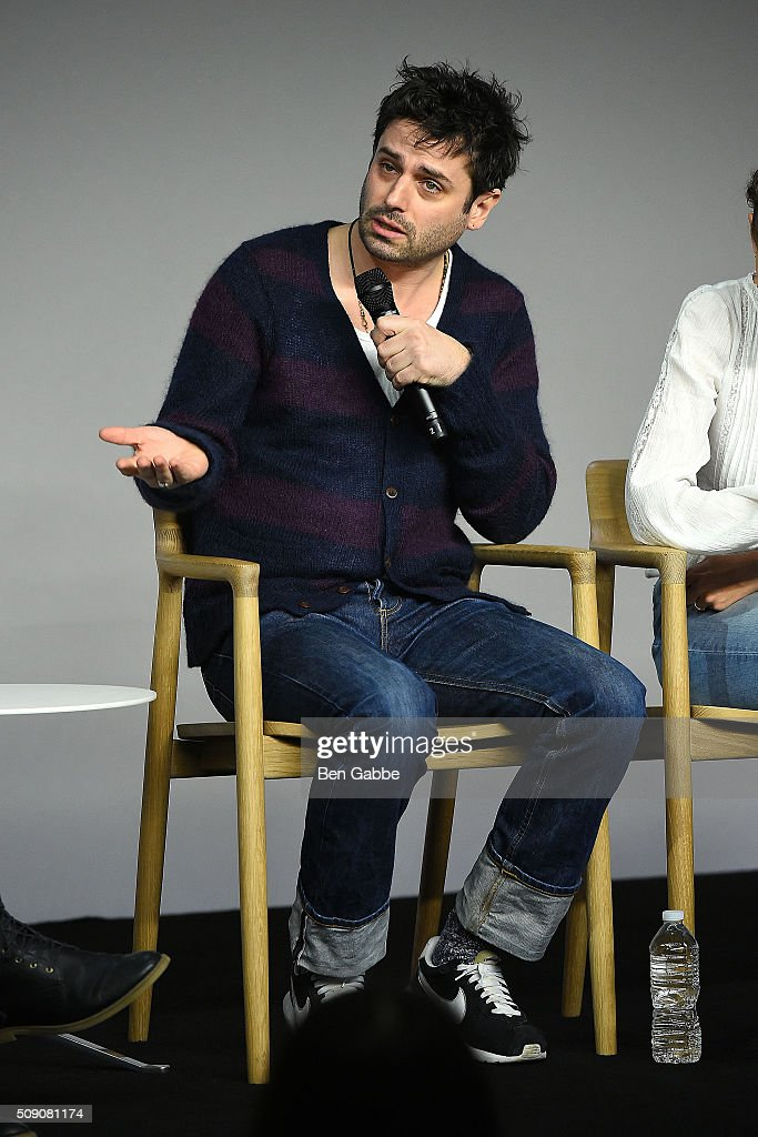 Actor <a gi-track='captionPersonalityLinkClicked' href=/galleries/search?phrase=Luke+Kirby&family=editorial&specificpeople=3174069 ng-click='$event.stopPropagation()'>Luke Kirby</a> attends Apple Store Soho presents 'Meet the Filmmaker' at Apple Store Soho on February 8, 2016 in New York City.