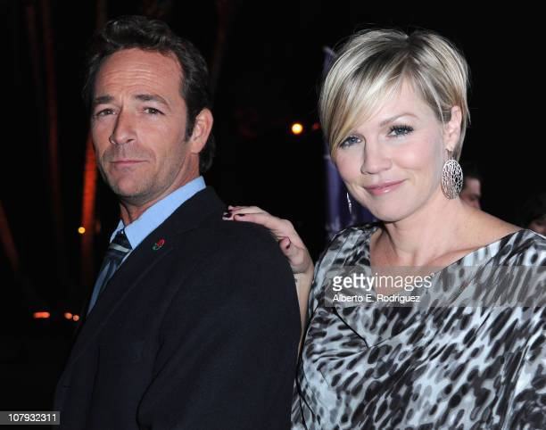 Actor Luke Perry and actress Jennie Garth arrive to Hallmark Channel's 2011 TCA Winter Tour Evening Gala on January 7 2011 in Pasadena California