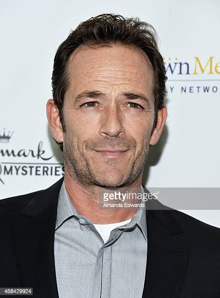 Actor Luke Perry arrives at the Hallmark Channel's Holiday Christmas world premiere screening of 'Northpole' at La Piazza Restaurant on November 4...