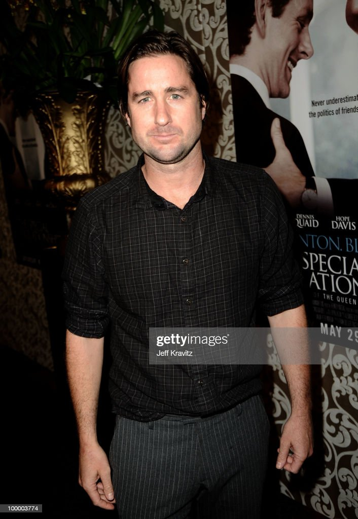 Actor Luke Wilson arrives to the HBO premiere of 'The Special Relationship' held at Directors Guild Of America on May 19, 2010 in Los Angeles, California.