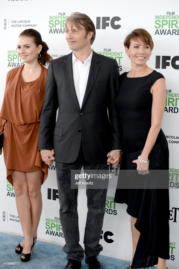 Actor Mads Mikkelsen (C) and guests attend the 2014 Film Independent Spirit Awards on March 1, 2014 in Santa Monica, California.