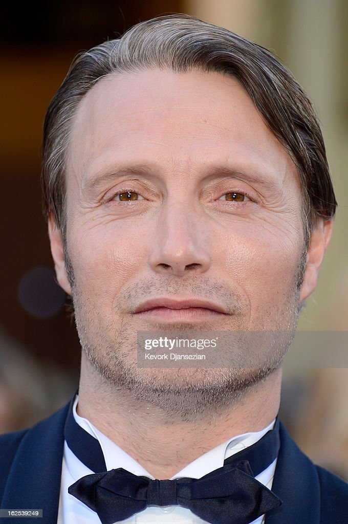 Actor Mads Mikkelsen arrives at the Oscars at Hollywood & Highland Center on February 24, 2013 in Hollywood, California.