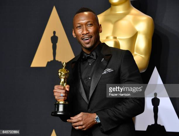 Actor Mahershala Ali winner of Best Supporting Actor for 'Moonlight' poses in the press room during the 89th Annual Academy Awards at Hollywood...