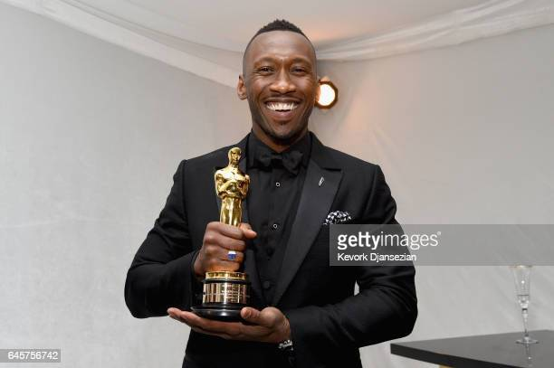 Actor Mahershala Ali winner of the award for Actor in a Supporting Role for 'Moonlight' attends the 89th Annual Academy Awards Governors Ball at...