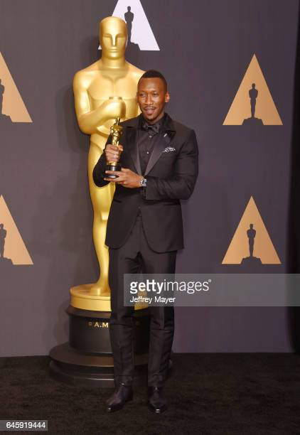 Actor Mahershala Ali winner of the award for Actor in a Supporting Role for 'Moonlight' poses in the press room during the 89th Annual Academy Awards...