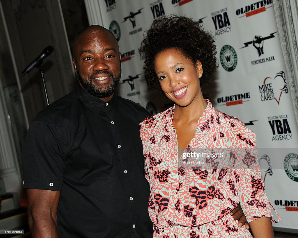 Actor <a gi-track='captionPersonalityLinkClicked' href=/galleries/search?phrase=Malik+Yoba&family=editorial&specificpeople=714316 ng-click='$event.stopPropagation()'>Malik Yoba</a> (L) and Andrea Wells attend the 'Puncher's Mark' Indiegogo Fundraiser Kick Off at Duane Park on August 27, 2013 in New York City.