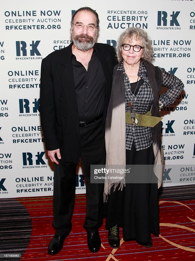 Actor <a gi-track='captionPersonalityLinkClicked' href=/galleries/search?phrase=Mandy+Patinkin&family=editorial&specificpeople=233720 ng-click='$event.stopPropagation()'>Mandy Patinkin</a> and Kathryn Grody attend the Robert F. Kennedy Center for Justice and Human Rights 2012 Ripple of Hope gala at The New York Marriott Marquis on December 3, 2012 in New York City.