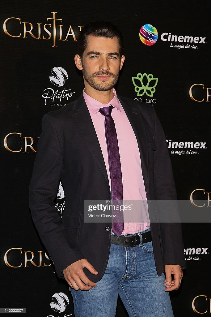 Actor Manuel Balbi attends the 'For Greater Glory (Cristiada)' Mexico City Premiere at Cinemex Antara Polanco on April 17, 2012 in Mexico City, Mexico.