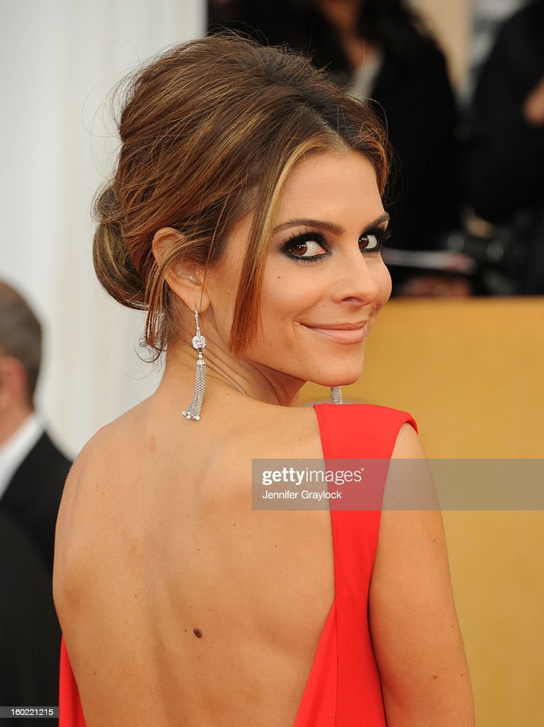 Actor Maria Menounos arrives at the 19th Annual Screen Actors Guild Awards held at The Shrine Auditorium on January 27, 2013 in Los Angeles, California.
