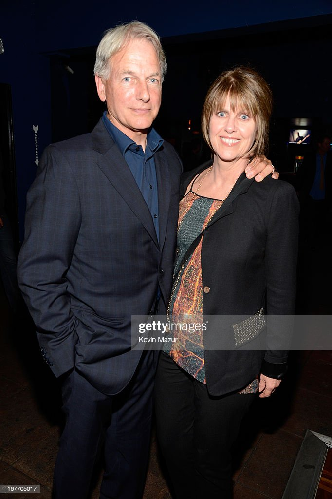 Actor mark harmon download foto gambar wallpaper for Are mark harmon and pam dawber still married