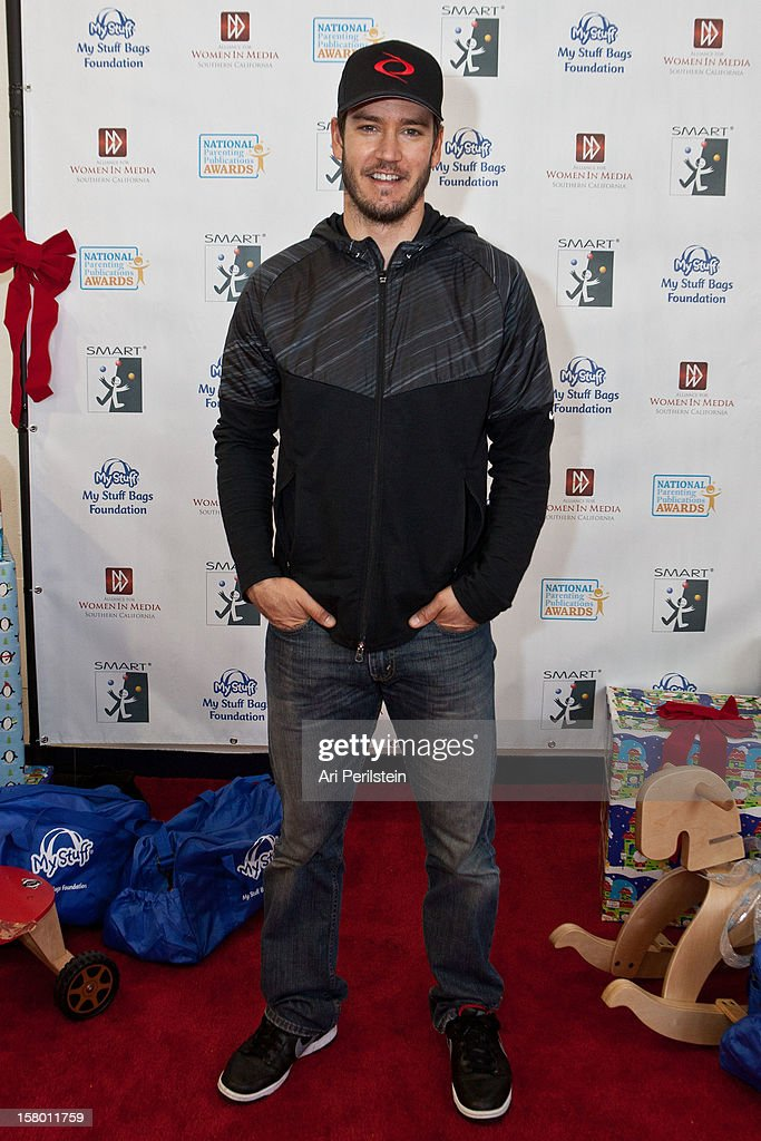 Actor Mark Paul Gosselaar attends 'Kids Helping Kids' - A Celebrity Holiday Stuff-A-Thon Benefiting My Stuff Bags Foundation at CBS Studios - Radford on December 8, 2012 in Studio City, California.