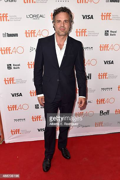 Actor Mark Ruffalo attends the 'Spotlight' premiere during the 2015 Toronto International Film Festival at the Princess of Wales Theatre on September...