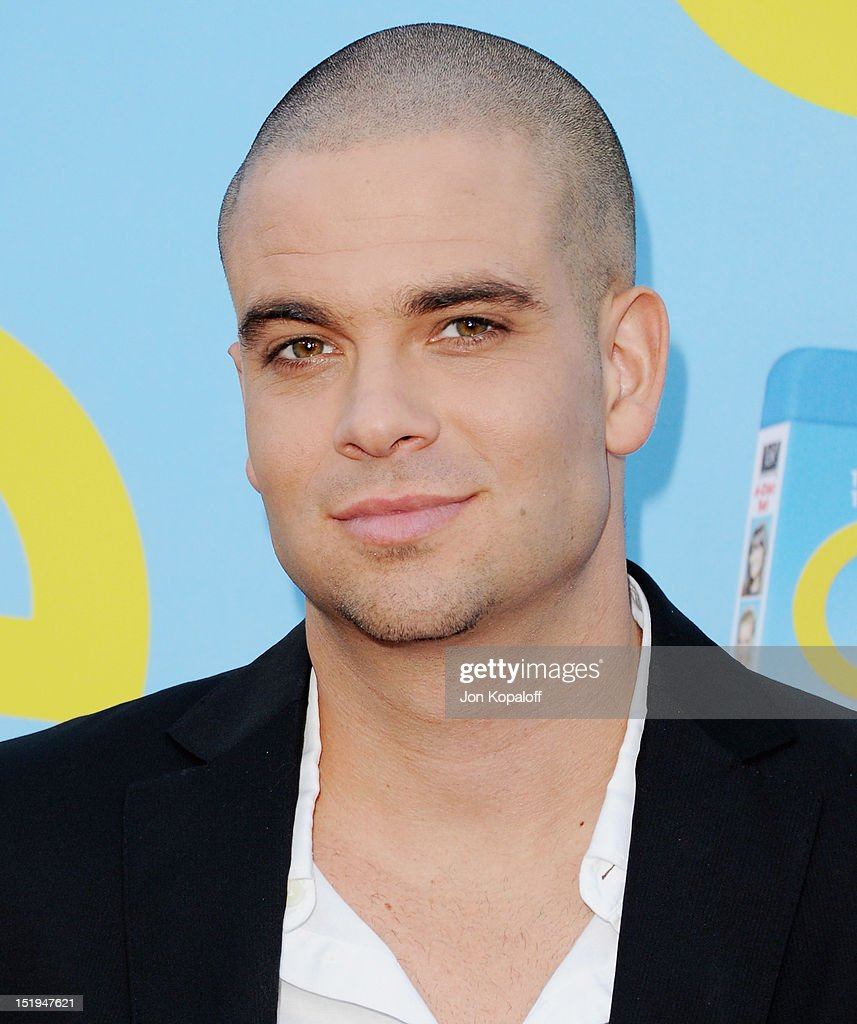 Actor <a gi-track='captionPersonalityLinkClicked' href=/galleries/search?phrase=Mark+Salling&family=editorial&specificpeople=5745691 ng-click='$event.stopPropagation()'>Mark Salling</a> arrives at the 'Glee' Premiere at Paramount Studios on September 12, 2012 in Los Angeles, California.