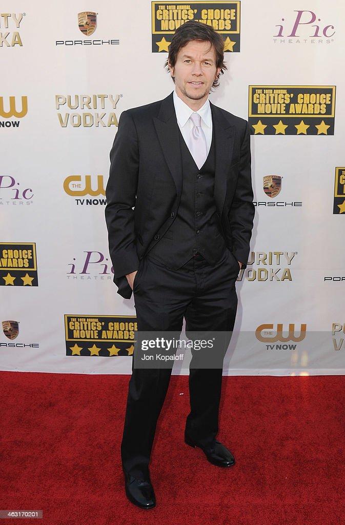 Actor Mark Wahlberg arrives at the 19th Annual Critics' Choice Movie Awards at Barker Hangar on January 16, 2014 in Santa Monica, California.