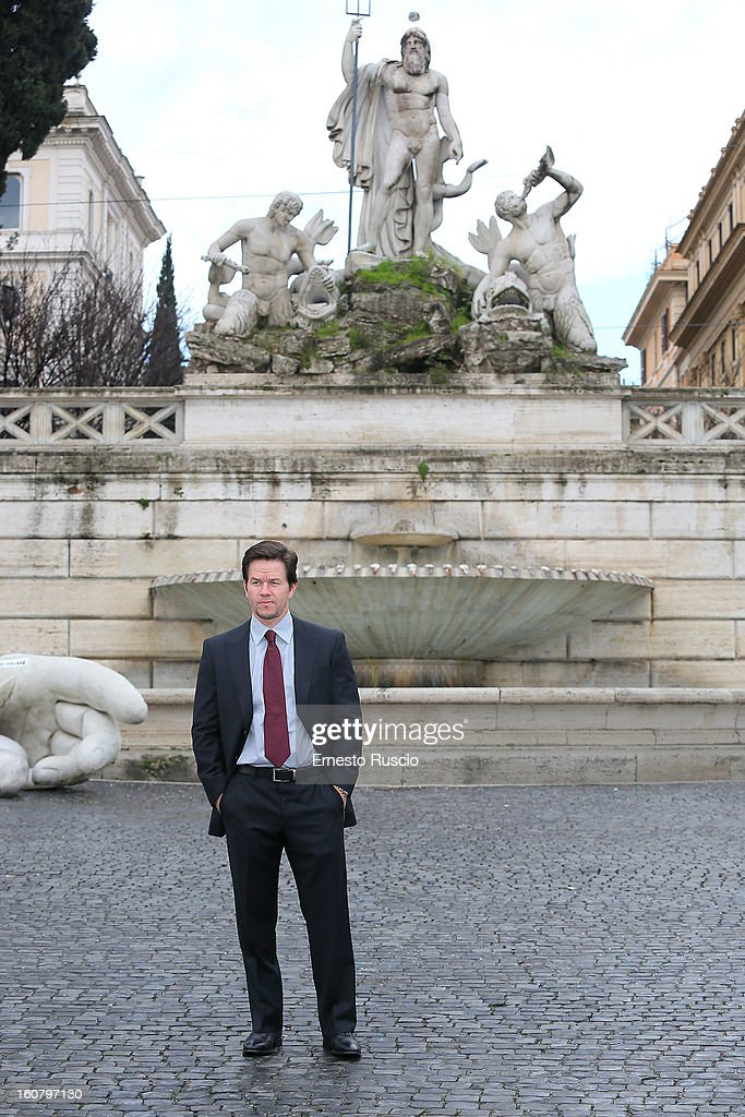 Actor <a gi-track='captionPersonalityLinkClicked' href=/galleries/search?phrase=Mark+Wahlberg&family=editorial&specificpeople=202265 ng-click='$event.stopPropagation()'>Mark Wahlberg</a> attends the 'Broken City' photocall at Piazza Del Popolo on February 6, 2013 in Rome, Italy.