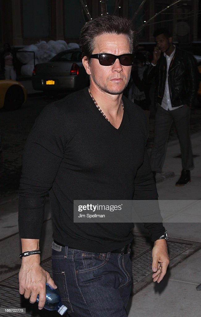 Actor <a gi-track='captionPersonalityLinkClicked' href=/galleries/search?phrase=Mark+Wahlberg&family=editorial&specificpeople=202265 ng-click='$event.stopPropagation()'>Mark Wahlberg</a> attends The Cinema Society and Men's Fitness screening of 'Pain and Gain' at Crosby Street Hotel on April 15, 2013 in New York City.