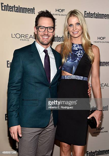 Actor MarkPaul Gosselaar and Catriona McGinn attend the 2015 Entertainment Weekly PreEmmy Party at Fig Olive Melrose Place on September 18 2015 in...