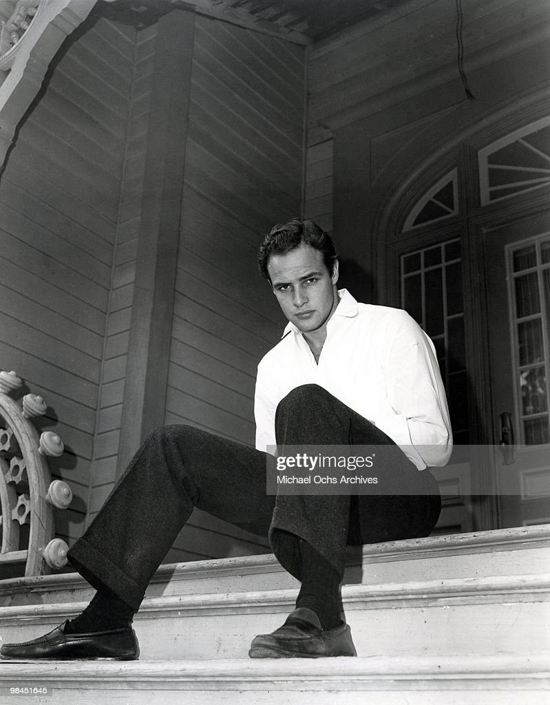 Actor <a gi-track='captionPersonalityLinkClicked' href=/galleries/search?phrase=Marlon+Brando&family=editorial&specificpeople=85897 ng-click='$event.stopPropagation()'>Marlon Brando</a> poses for a portrait in circa 1955.