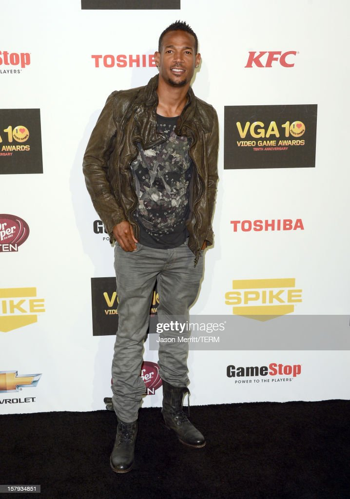 Actor <a gi-track='captionPersonalityLinkClicked' href=/galleries/search?phrase=Marlon+Wayans&family=editorial&specificpeople=203226 ng-click='$event.stopPropagation()'>Marlon Wayans</a> arrives at Spike TV's 10th annual Video Game Awards at Sony Pictures Studios on December 7, 2012 in Culver City, California.