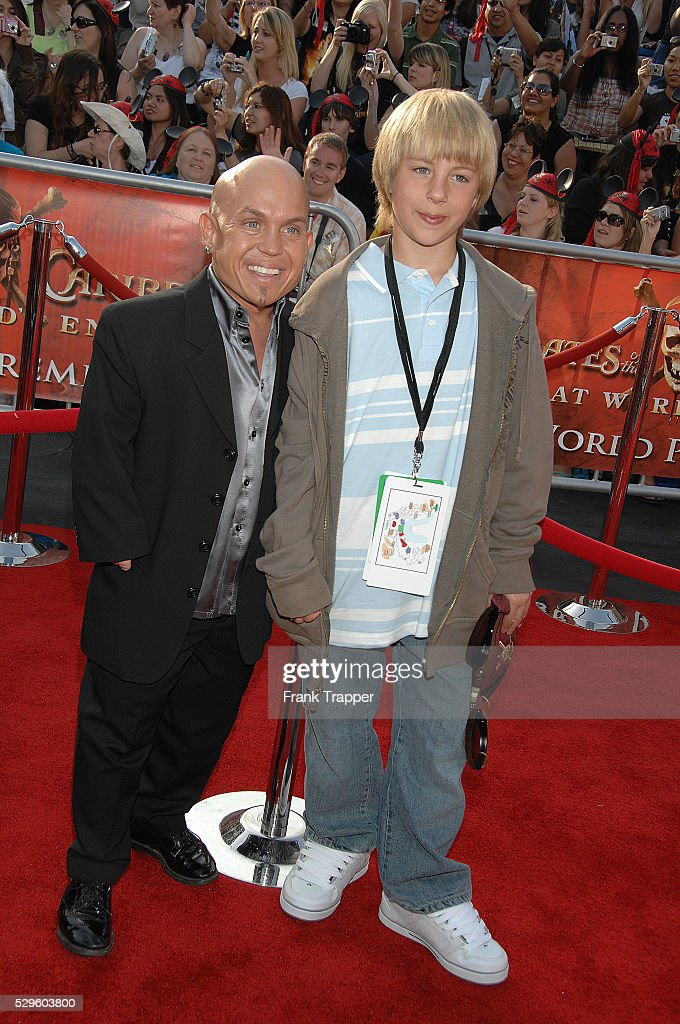 martin klebba michelle dilgardmartin klebba pirates of the caribbean, martin klebba movies, martin klebba wife, martin klebba net worth, martin klebba instagram, martin klebba, мартин клебба, martin klebba son, martin klebba michelle dilgard, martin klebba scrubs, martin klebba facebook, мартин клеббэ рост, martin klebba imdb, martin klebba baby, martin klebba twitter, martin klebba zombieland, martin klebba jurassic world, martin klebba daughter little person, martin klebba religion