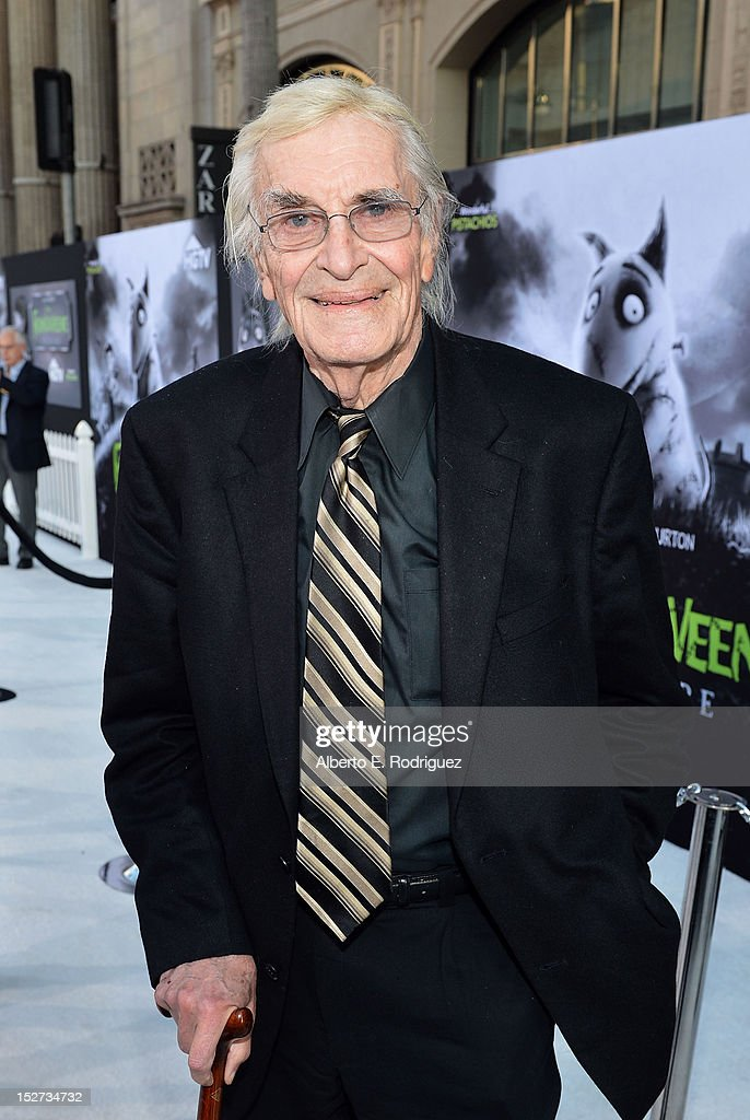 Actor <a gi-track='captionPersonalityLinkClicked' href=/galleries/search?phrase=Martin+Landau&family=editorial&specificpeople=209352 ng-click='$event.stopPropagation()'>Martin Landau</a> arrives at Disney's 'Frankenweenie' premiere at the El Capitan Theatre on September 24, 2012 in Hollywood, California.