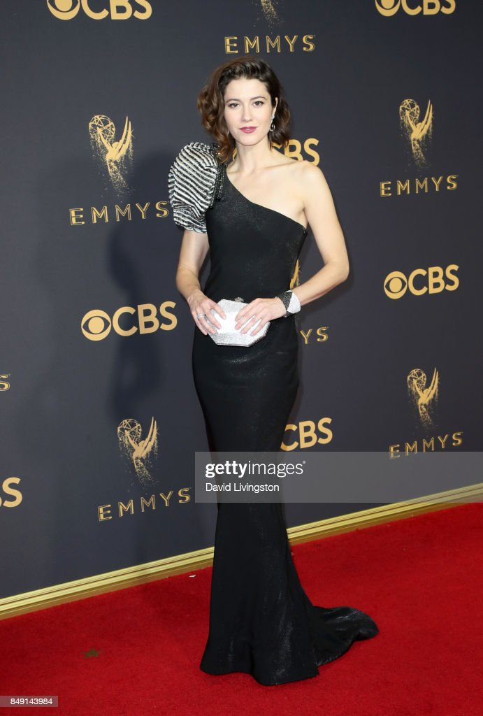Actor Mary Elizabeth Winstead attends the 69th Annual Primetime Emmy Awards - Arrivals at Microsoft Theater on September 17, 2017 in Los Angeles, California.