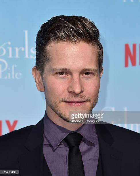 Actor Matt Czuchry attends the premiere of Netflix's 'Gilmore Girls A Year In The Life' at the Regency Bruin Theatre on November 18 2016 in Los...