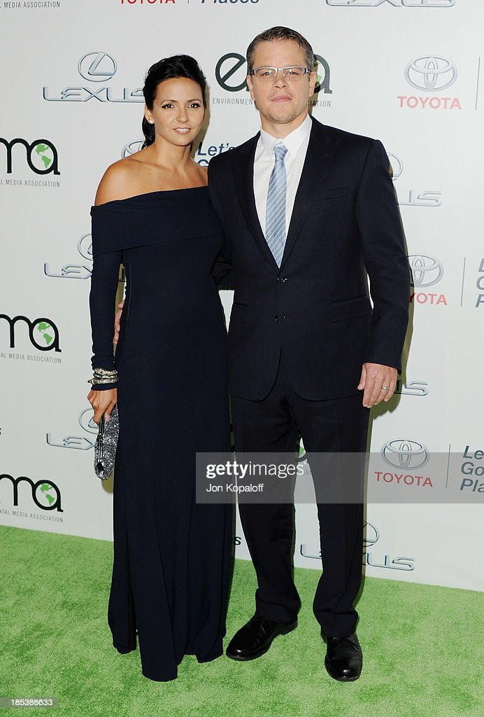 Actor <a gi-track='captionPersonalityLinkClicked' href=/galleries/search?phrase=Matt+Damon&family=editorial&specificpeople=202093 ng-click='$event.stopPropagation()'>Matt Damon</a> and wife Luciana Barroso arrive at the 2013 Environmental Media Awards at Warner Bros. Studios on October 19, 2013 in Burbank, California.