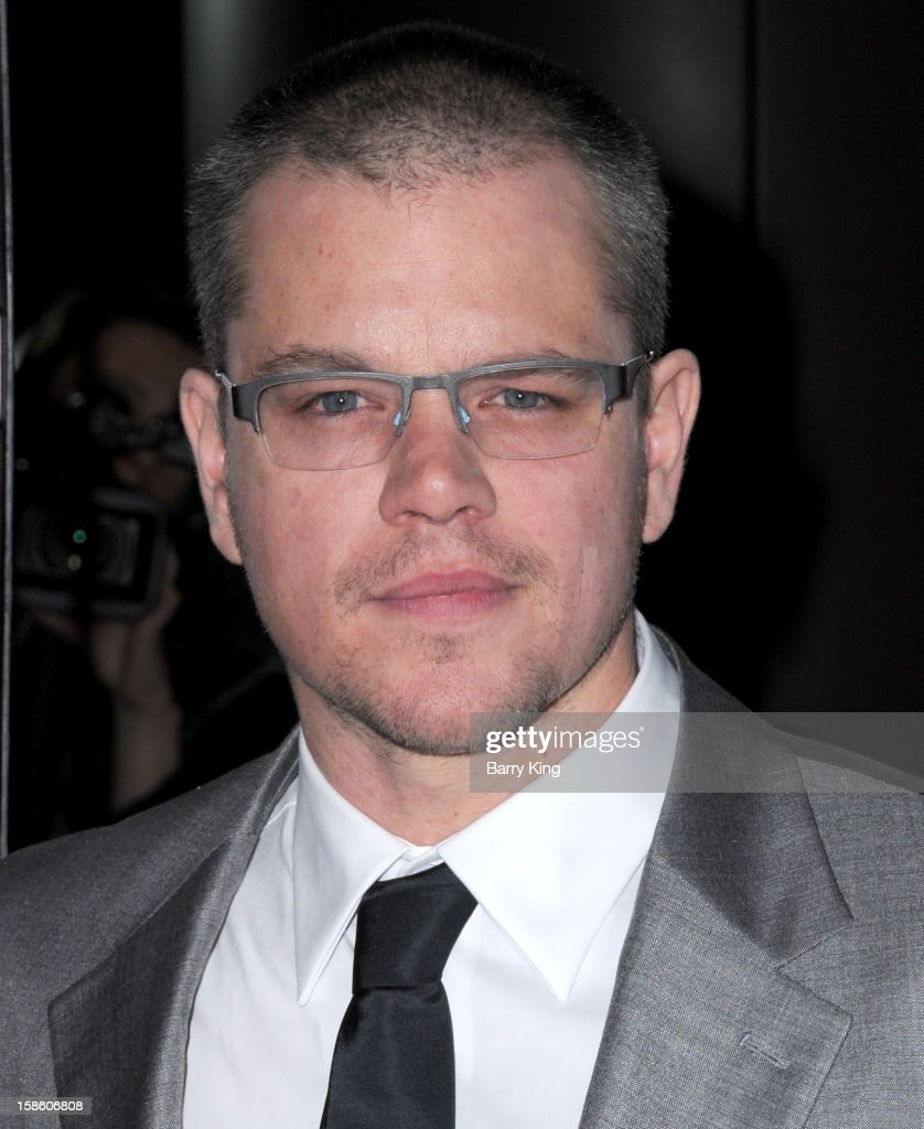 Actor <a gi-track='captionPersonalityLinkClicked' href=/galleries/search?phrase=Matt+Damon&family=editorial&specificpeople=202093 ng-click='$event.stopPropagation()'>Matt Damon</a> arrives at the Los Angeles premiere of 'Promised Land' held at Directors Guild Of America on December 6, 2012 in Los Angeles, California.