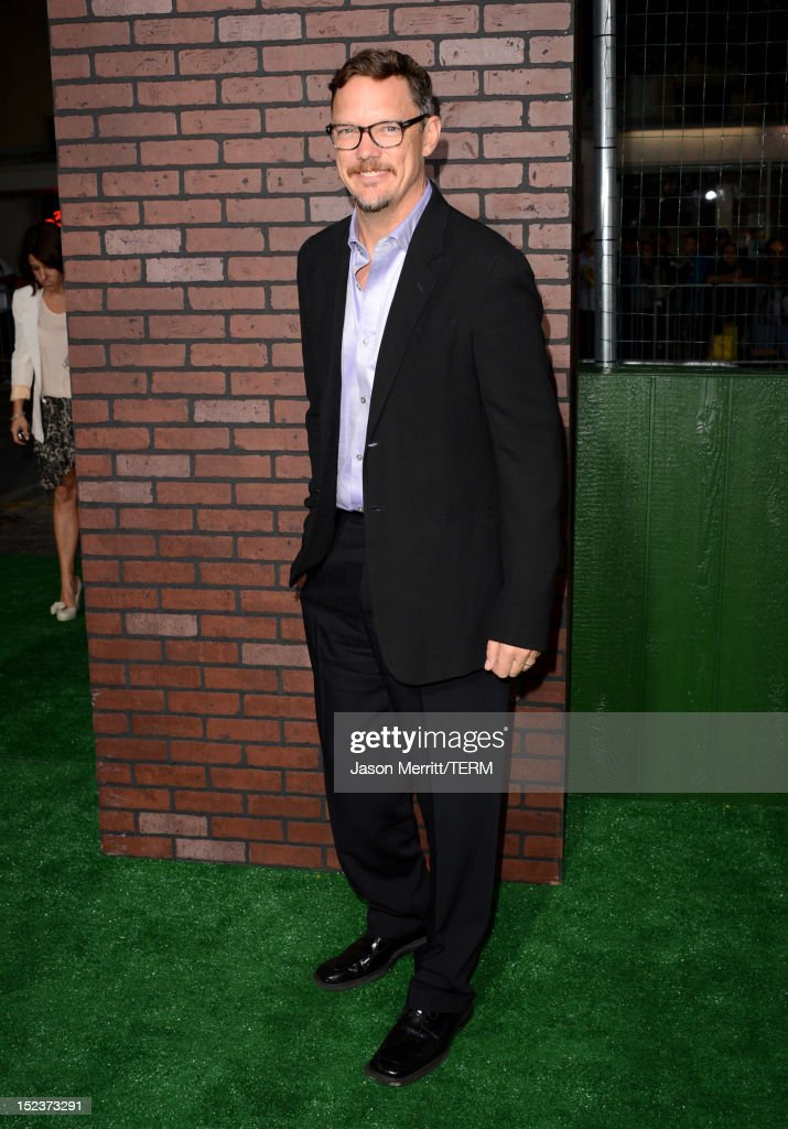 Actor <a gi-track='captionPersonalityLinkClicked' href=/galleries/search?phrase=Matthew+Lillard&family=editorial&specificpeople=206378 ng-click='$event.stopPropagation()'>Matthew Lillard</a> arrives at Warner Bros. Pictures' 'Trouble With The Curve' premiere at Regency Village Theatre on September 19, 2012 in Westwood, California.