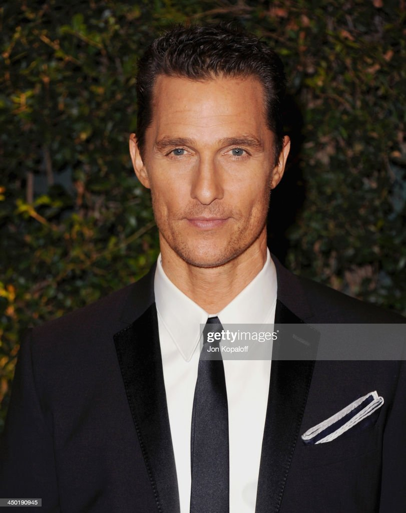 Actor <a gi-track='captionPersonalityLinkClicked' href=/galleries/search?phrase=Matthew+McConaughey&family=editorial&specificpeople=201663 ng-click='$event.stopPropagation()'>Matthew McConaughey</a> arrives at The Board Of Governors Of The Academy Of Motion Picture Arts And Sciences' Governor Awards at Dolby Theatre on November 16, 2013 in Hollywood, California.