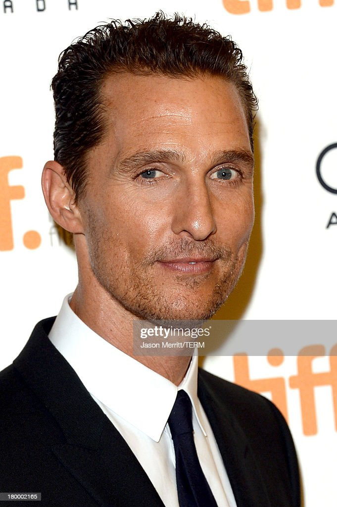 Actor <a gi-track='captionPersonalityLinkClicked' href=/galleries/search?phrase=Matthew+McConaughey&family=editorial&specificpeople=201663 ng-click='$event.stopPropagation()'>Matthew McConaughey</a> arrives at the 'Dallas Buyers Club' premiere during the 2013 Toronto International Film Festival at Princess of Wales Theatre on September 7, 2013 in Toronto, Canada.