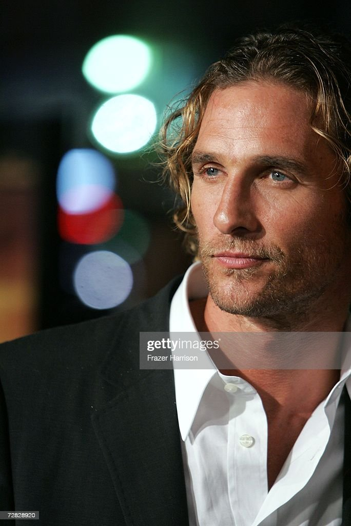 Actor <a gi-track='captionPersonalityLinkClicked' href=/galleries/search?phrase=Matthew+McConaughey&family=editorial&specificpeople=201663 ng-click='$event.stopPropagation()'>Matthew McConaughey</a> arrives at the Warner Bros. premiere of 'We Are Marshall' held at the Grauman's Chinese Theatre on December 14, 2006 in Hollywood, California.