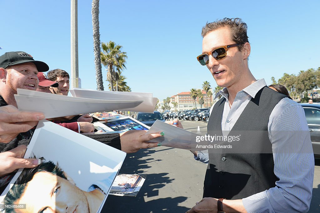 Actor <a gi-track='captionPersonalityLinkClicked' href=/galleries/search?phrase=Matthew+McConaughey&family=editorial&specificpeople=201663 ng-click='$event.stopPropagation()'>Matthew McConaughey</a> attends the 2013 Film Independent Spirit Awards at Santa Monica Beach on February 23, 2013 in Santa Monica, California.