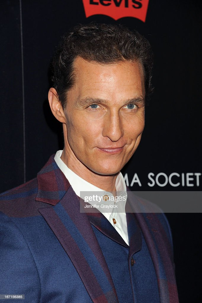 Actor <a gi-track='captionPersonalityLinkClicked' href=/galleries/search?phrase=Matthew+McConaughey&family=editorial&specificpeople=201663 ng-click='$event.stopPropagation()'>Matthew McConaughey</a> attends The Cinema Society Screening Of 'Mud' hosted by Fiji Water and Levis held at The Museum of Modern Art on April 21, 2013 in New York City.