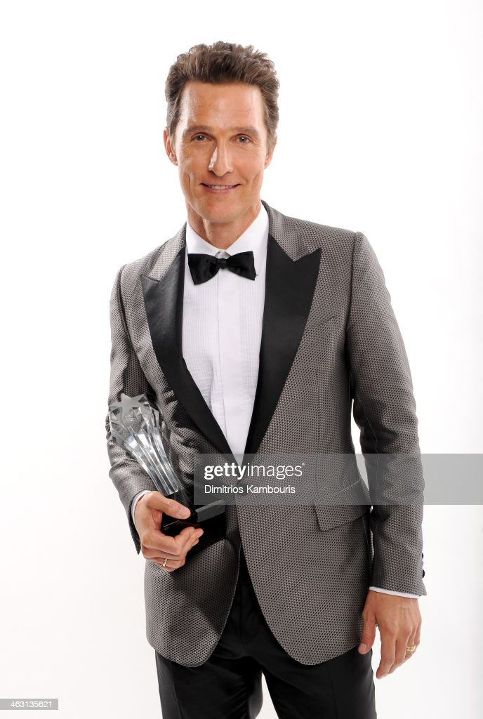 Actor <a gi-track='captionPersonalityLinkClicked' href=/galleries/search?phrase=Matthew+McConaughey&family=editorial&specificpeople=201663 ng-click='$event.stopPropagation()'>Matthew McConaughey</a>, winner of the Best Actor award for 'Dallas Buyers Club', poses for a portrait during the 19th Annual Critics' Choice Movie Awards at Barker Hangar on January 16, 2014 in Santa Monica, California.