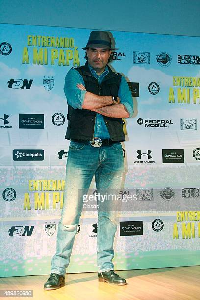Actor Mauricio Islas poses for pictures during the presentation of the film 'Entrenando a mi Papa' on September 24 2015 in Mexico City Mexico