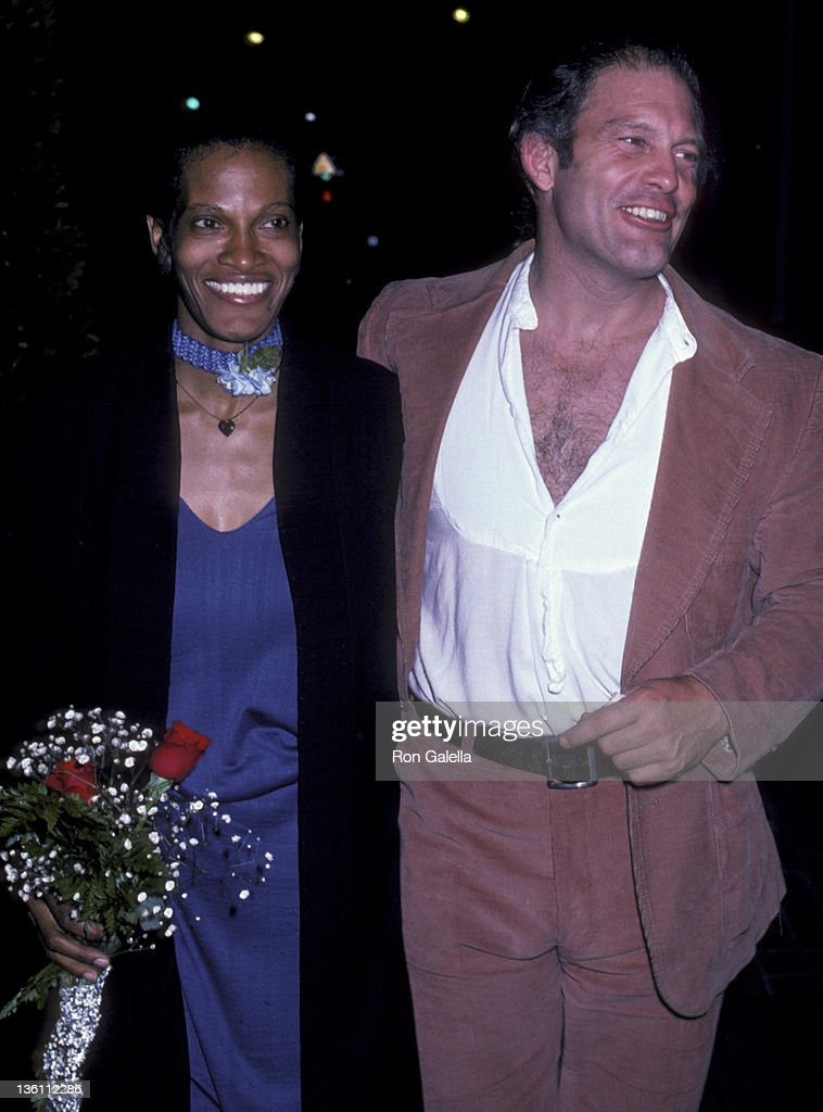 Actor Max Gail and wife Willie Beir attend the wrap party for 'Barney Miller' on April 26, 1982 at Chasen's Restaurant in Beverly Hills, California.