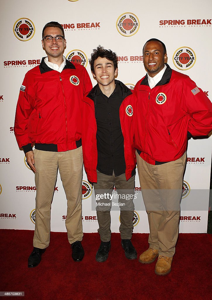 Actor Max Schneider and City Year Los Angeles AmeriCorps members attend the City Year Los Angeles 'Spring Break' Fundraiser at Sony Studios on April...