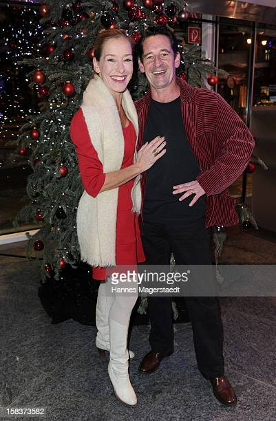 Actor Max Tidof and Lisa Seitz attend the BMW Adventskalender opening with Anja Kruse at the BMW Pavillon on December 14 2012 in Munich Germany