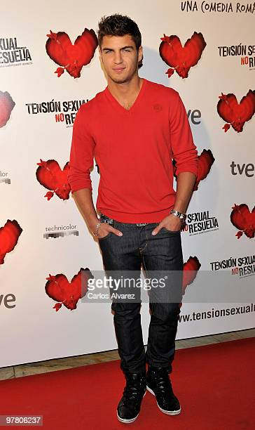 Actor Maxi Iglesias attends the premiere of ''Tension Sexual No Resuelta'' at the Capitol cinema on March 17 2010 in Madrid Spain