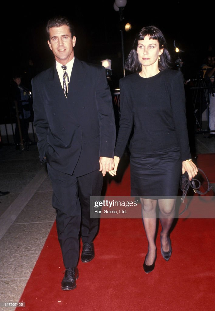 Actor Mel Gibson and wife Robyn Moore attend the 'Dances with Wolves' Century City Premiere on November 4 1990 at Cineplex Odeon Century Plaza...