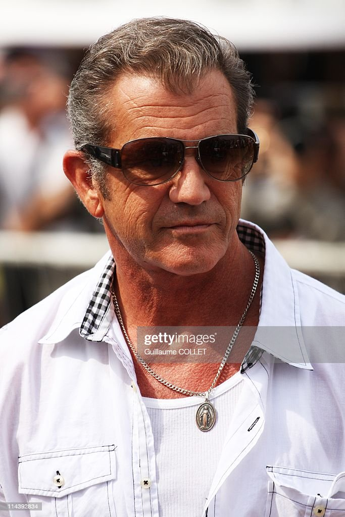Actor <a gi-track='captionPersonalityLinkClicked' href=/galleries/search?phrase=Mel+Gibson&family=editorial&specificpeople=201512 ng-click='$event.stopPropagation()'>Mel Gibson</a> attends a photocall for the film ''The Beaver'' during the festival of Cannes, 2011 on May 18 in Cannes, France.
