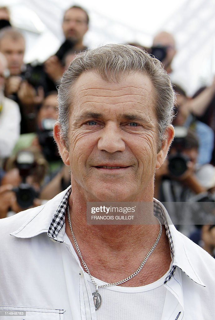 US actor Mel Gibson poses during the photocall of 'The Beaver' presented out of competiton at the 64th Cannes Film Festival on May 18, 2011 in Cannes. AFP PHOTO / FRANCOIS GUILLOT