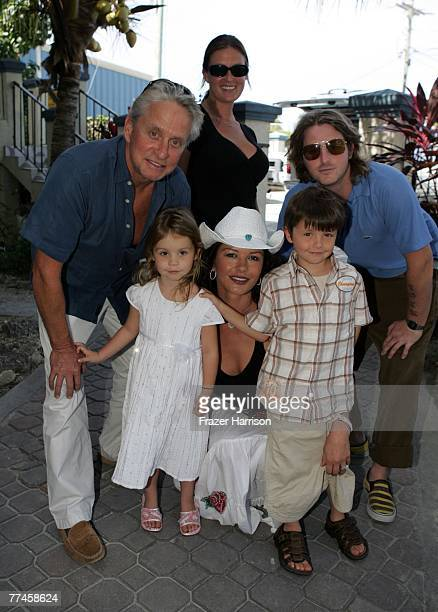 OUT*** Actor Michael Douglas actress Catherine ZetaJones arrive at the Provo Airport with children Carys Dylan Cameron Douglas and his girlfirend...