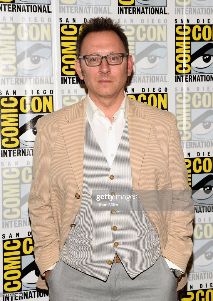 Actor <a gi-track='captionPersonalityLinkClicked' href=/galleries/search?phrase=Michael+Emerson&family=editorial&specificpeople=653299 ng-click='$event.stopPropagation()'>Michael Emerson</a> attends the 'Person of Interest' press line during Comic-Con International 2013 at the Hilton San Diego Bayfront Hotel on July 20, 2013 in San Diego, California.