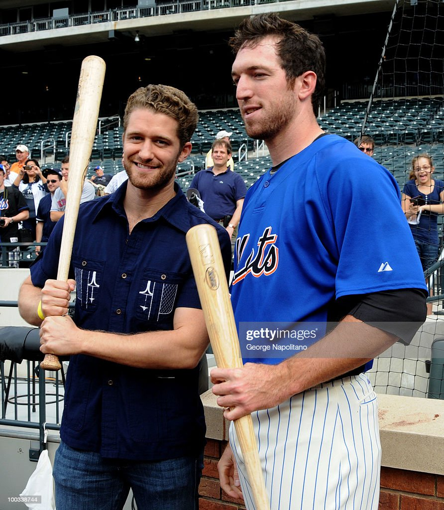 Actor Michael Morrison chats with <a gi-track='captionPersonalityLinkClicked' href=/galleries/search?phrase=Ike+Davis&family=editorial&specificpeople=2349664 ng-click='$event.stopPropagation()'>Ike Davis</a> of the NY Mets during a visit to Citi Field on May 22, 2010 in New York City.