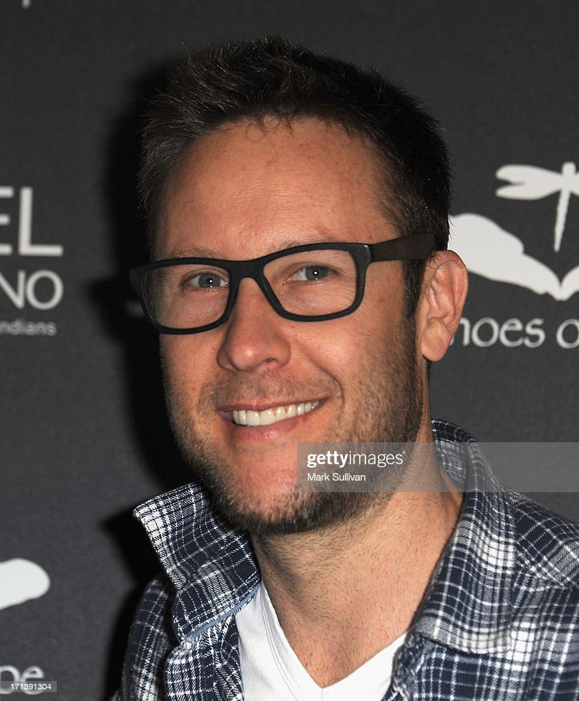 Actor Michael Rosenbaum attends Echoes Of Hope's 3rd Annual Luc Robitaille Celebrity Charity... Show more - actor-michael-rosenbaum-attends-echoes-of-hopes-3rd-annual-luc-picture-id171391304
